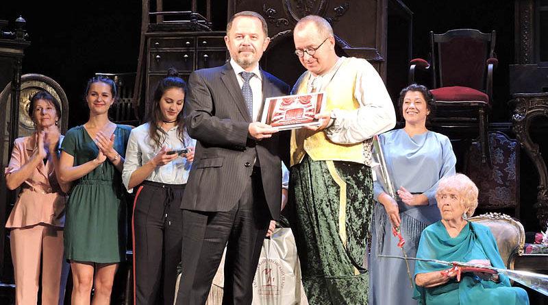 Театр открыт: новый сезон и фестиваль «На родине Чехова» начались с подарков