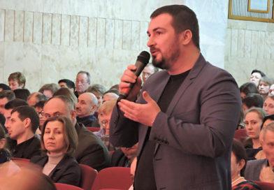 Артём Екушевский:  горожане должны иметь возможность  напрямую выбирать руководителя муниципалитета