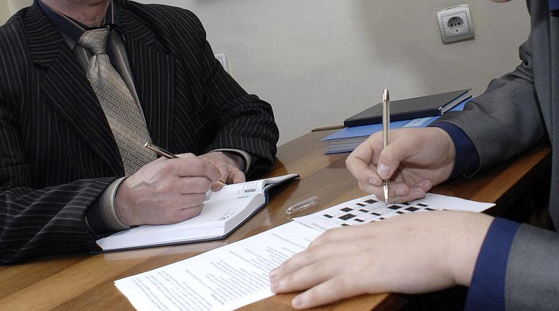 На каждое пятое депутатское обращение чиновники реагируют с опозданием