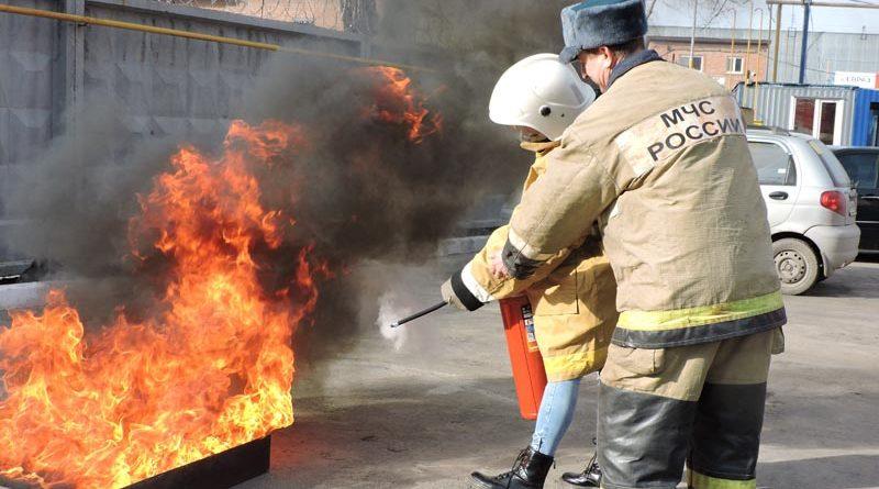 Сотрудники «Полимерпрома» прошли испытание огнём